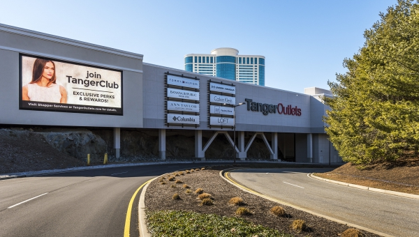 tangeroutlets_lowres_1